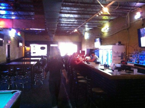 Opelousas, LA: Clean and professional atmosphere, smoke free with a back patio for smokers. Staff and owner are