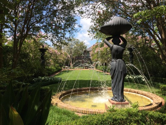 Biedenharn Museum & Gardens: Pictures of the Coca-Cola museum and the gardens behind the home.