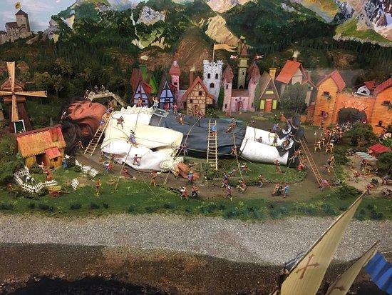 Miniature World: photo0.jpg
