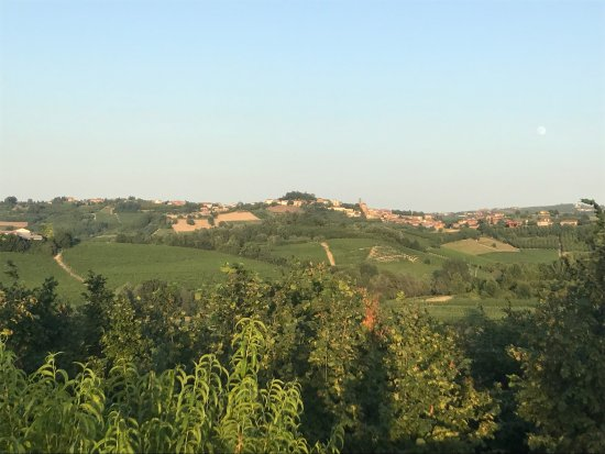 Castagnole Lanze, Italia: photo0.jpg