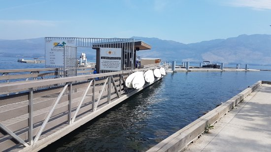 West Kelowna, Canadá: Okanagan Water Sports dock