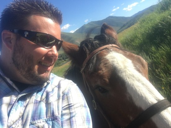 Sun Valley Stables: Quick selfie with John!