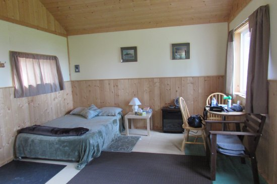 Fort Providence, Canada: One room cottage