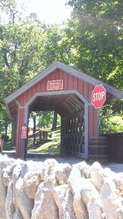Loretto, KY: The covered bridge built to satisfy those who got some of the distillery's first Christmas cards