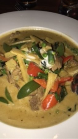 Oishi Thai: curry verde de carne . excelente