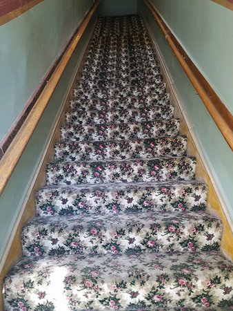 Silver Queen Hotel: Stairs
