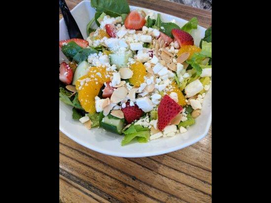 North Attleboro, MA: Strawberry chèvre salad