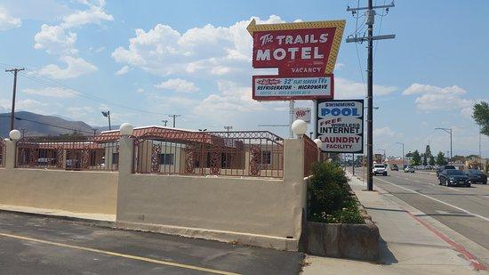 National 9 Trails Motel: Trails Motel