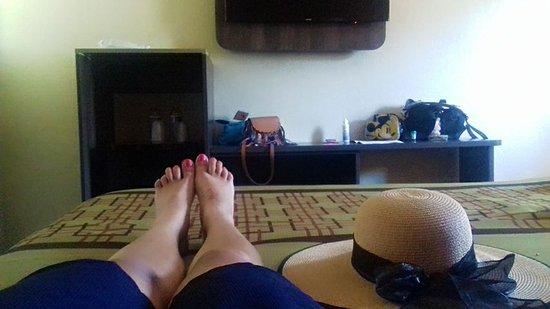 Economy Inn Hollywood: Nos hospedamos dos adultos. Estuvimos muy agusto.
