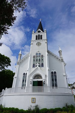 catholic singles in mackinac county Mackinac island is an island and resort area, covering 38 square miles (98 km2)  in land area,  the bedrock strata that underlie the island are much older, dating  to late silurian and early  st anne's catholic church on mackinac island.