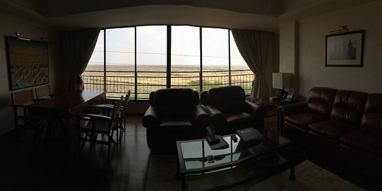 Ole Sereni: A poor photo of the Masai suite living room. The suite is indescribable