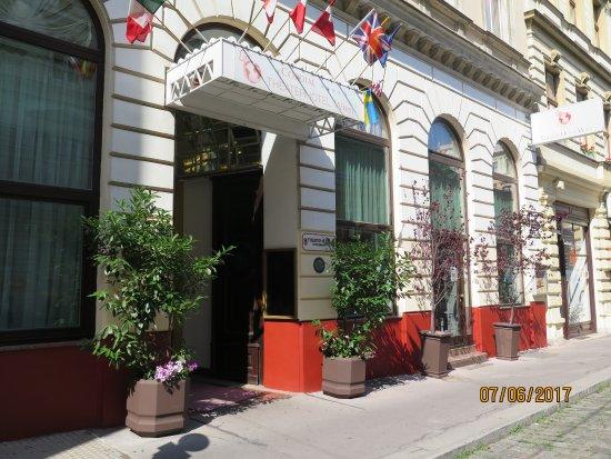 Cordial Theaterhotel Wien: Front of the Hotel