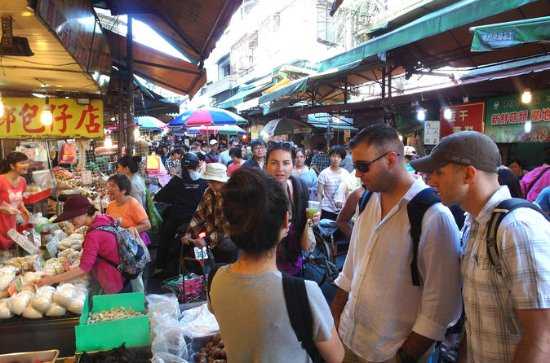 Small-group XinYi Walking Food Tour