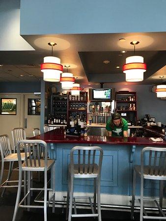 Blue Moose Pizza Vail: interior & bar
