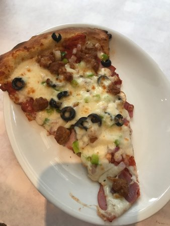 Blue Moose Pizza Vail: lunch special slice (extra $$) The Big Moose