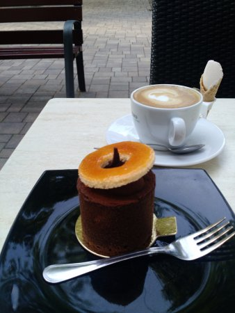 Vac, Ungheria: Delicious morning at Mihalyi Patisserie