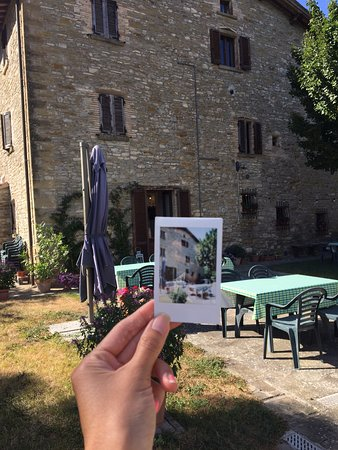 Sant'Angelo in Vado, Italien: A picture of a picture of the stone farmhouse