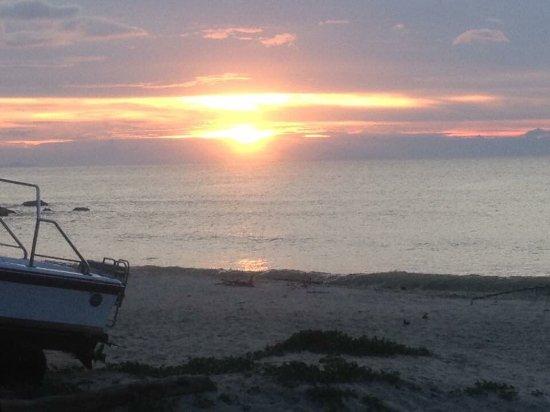 White Beach Resort: photo1.jpg