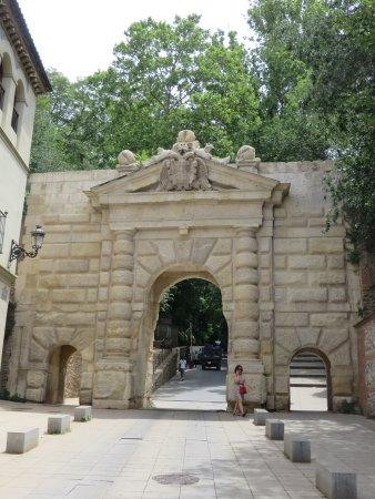 Puerta da las Grandas