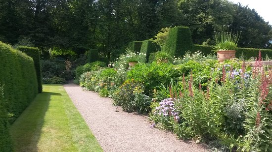 Renishaw, UK: One of the flowerbeds in the formal gardens