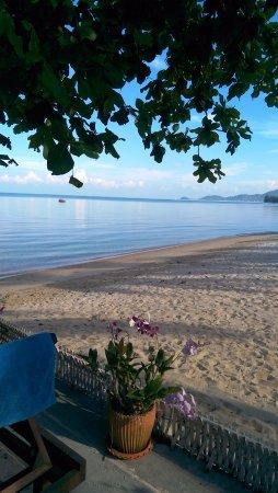 Lipa Noi, Ταϊλάνδη: пляж около отеля