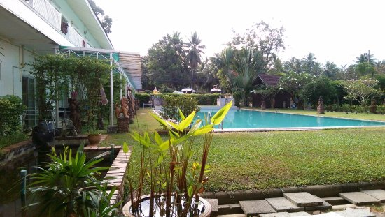 Lipa Noi, Tailandia: еще один бассейн