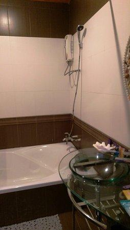 Lipa Noi, Tailandia: ванная