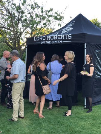 Purley, UK: Lord Roberts on The Green