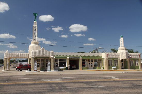 Shamrock, TX: Tower Station and U-Drop Inn Cafe