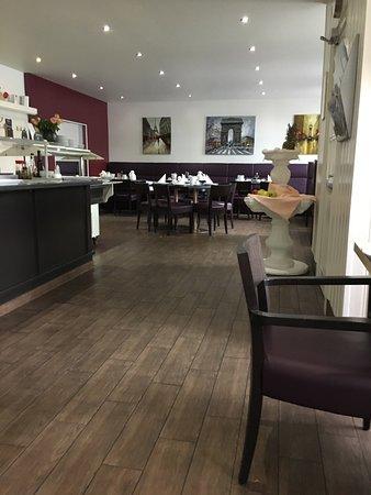 Art Hotel Monopol: la salle du petit déjeûner
