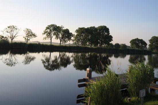 Ouderkerk aan de Amstel, The Netherlands: Westkant van de ronde hoep polder