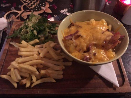 Houston, UK: Streaky man n cheese