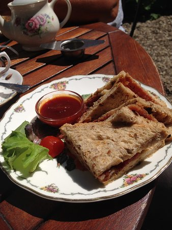 Teashop by  the Canal: a very nice bacon sandwich