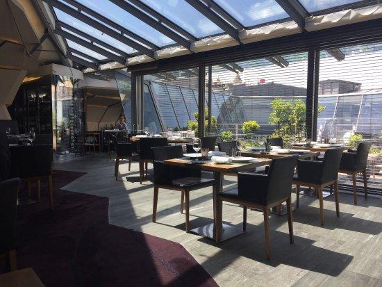 La salle manger lumineuse picture of restaurant le 39 v paris tripadvisor - La salle a manger paris ...