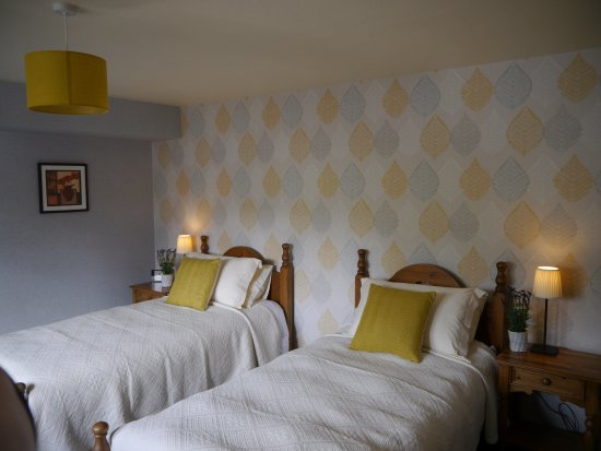 Poppy Cottages: Poppy Cottage No. 2 with twin beds
