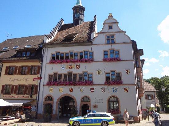 Der Burgruine Schlossberg: Staufen - Rathaus