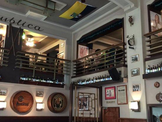 La Republica: Mezzanine area.