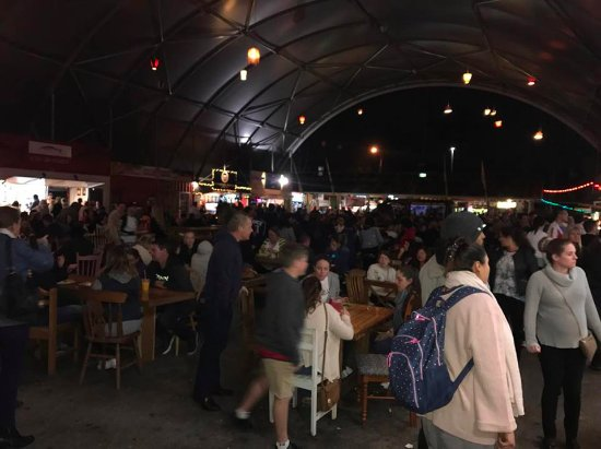 Helensvale, Αυστραλία: Another view of the night Markets.