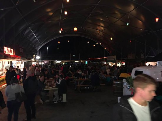 Helensvale, Australia: Night Markets