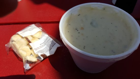 Cape Porpoise, ME: New England clam chowder