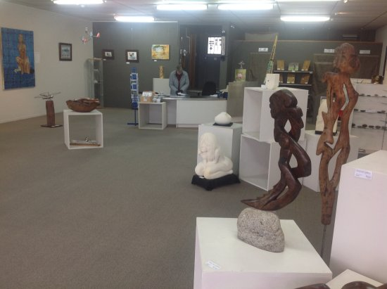 Wairoa, New Zealand: Interior Long River Gallery