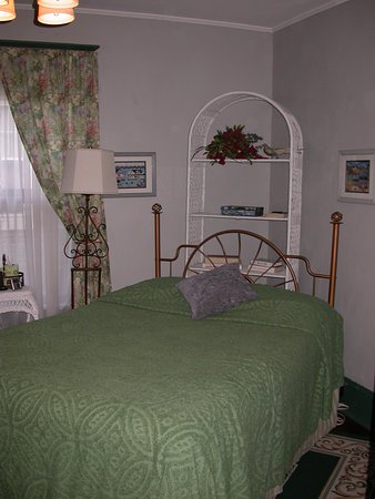 Rose Hill Bed & Breakfast: bedroom