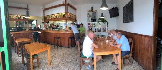 Mala, Hiszpania: el Bar