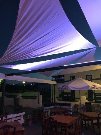 Mala, Hiszpania: La terrazza de noche