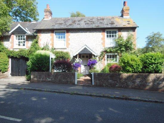 Apiary Cottage B&B