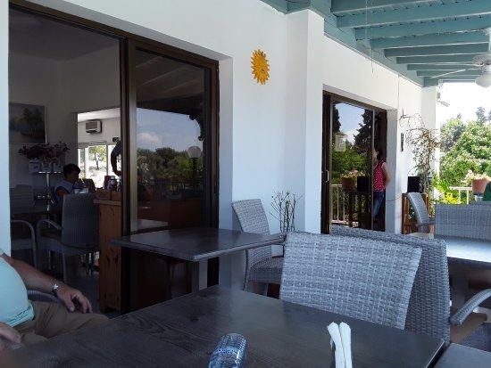 Bougainvillea Hotel Apartments Bild