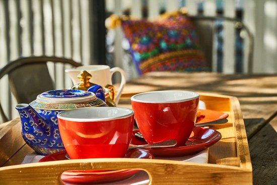 Morpeth, Australia: Tea on the balcony of the Arnott Suite