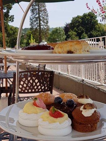 Charlton Kings, UK: Tea on the balcony