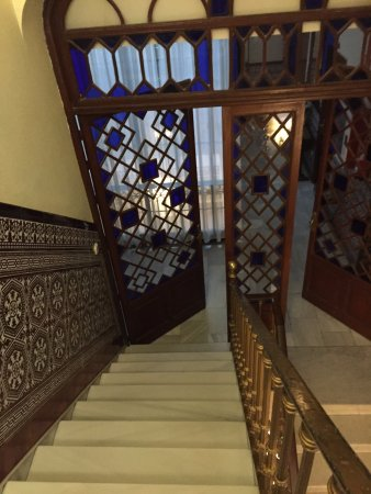 Hotel Europa: Stairway (Elevator Available)