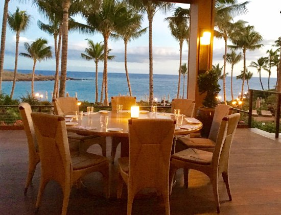 Four Seasons Resort Lanai Dinner At One Forty